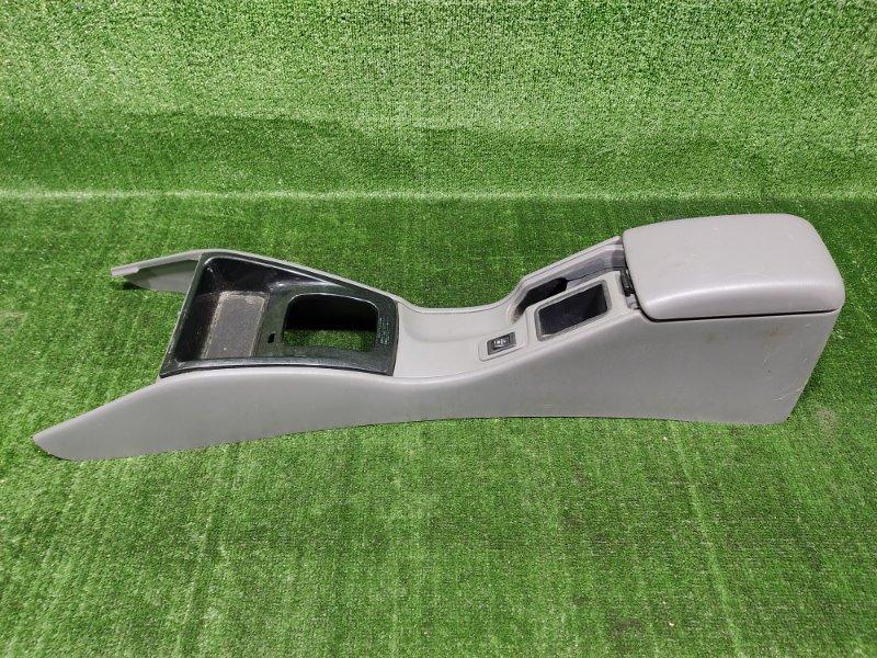 Бардачок между сиденьями Subaru Forester SF5 EJ205 2001 (б/у)