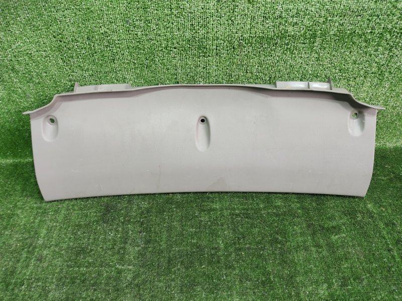 Накладка замка багажника Toyota Corolla Spacio AE115 7AFE 2000 (б/у)