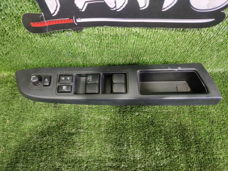 Блок управления стеклами Subaru Impreza GP7 FB20A 2011 передний правый (б/у)