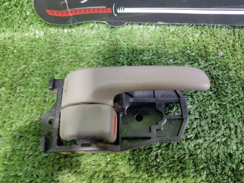 Ручка двери внутренняя Toyota Corolla Spacio AE115 7AFE 2000 передняя правая (б/у)