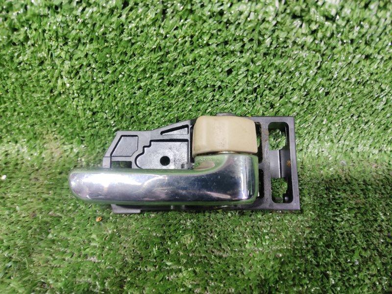 Ручка двери внутренняя Toyota Vista SV55 3SFE 2001 передняя правая (б/у)