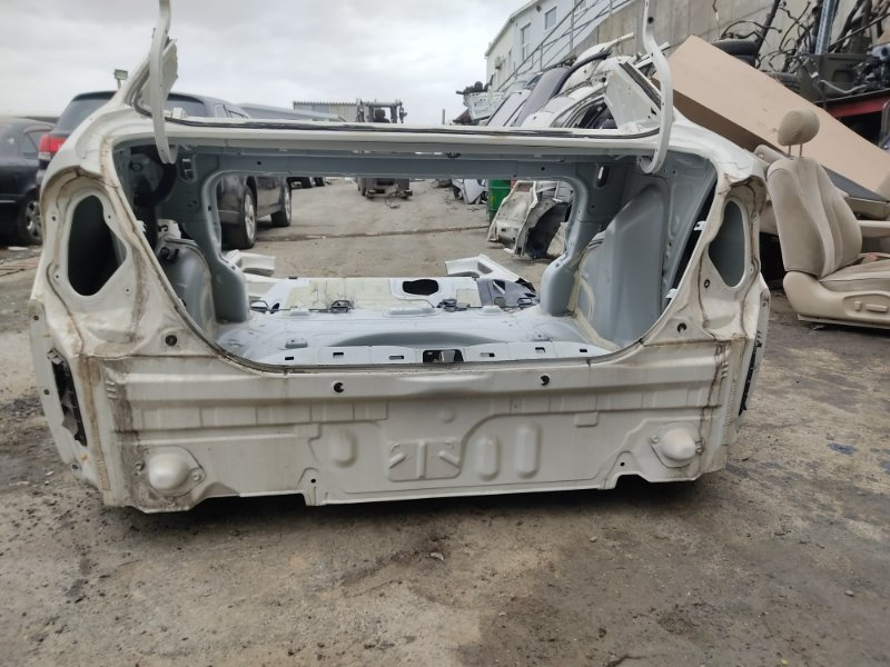 Задняя часть а/м Toyota Prius NHW11 1NZFXE 2000 (б/у)