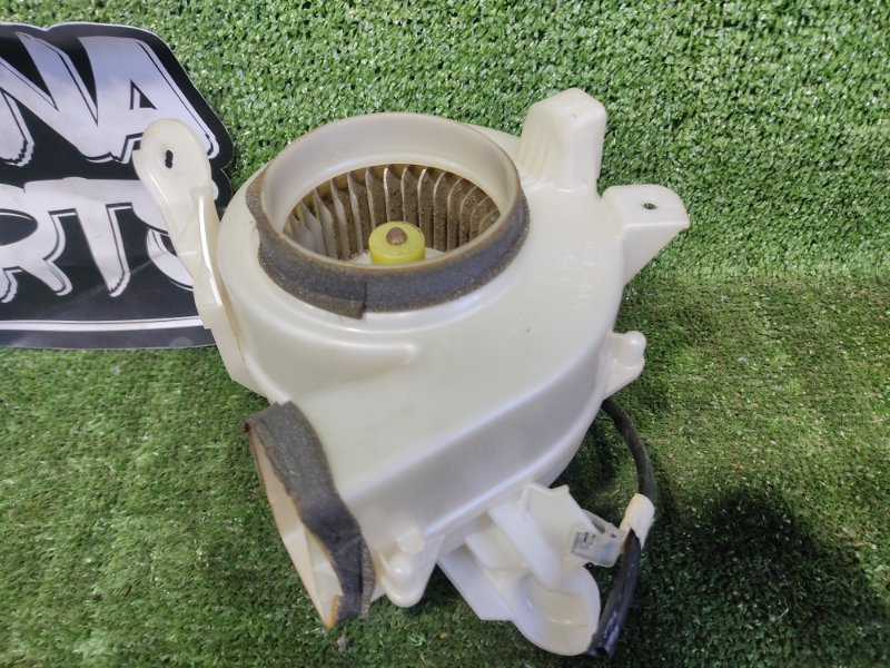 Мотор охлаждения батареи Toyota Prius NHW20 1NZFXE 2004 (б/у)