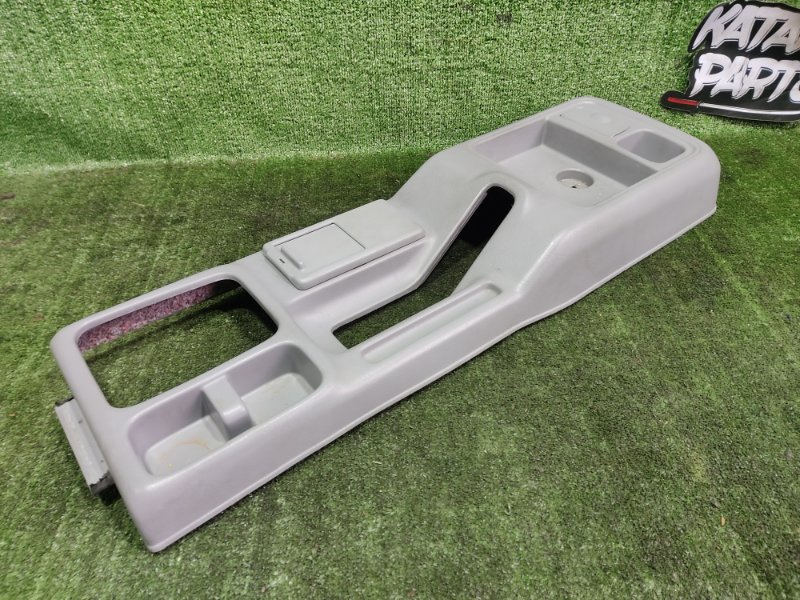 Бардачок между сиденьями Mazda Bongo Friendee SGL5 WLT 1998 (б/у)