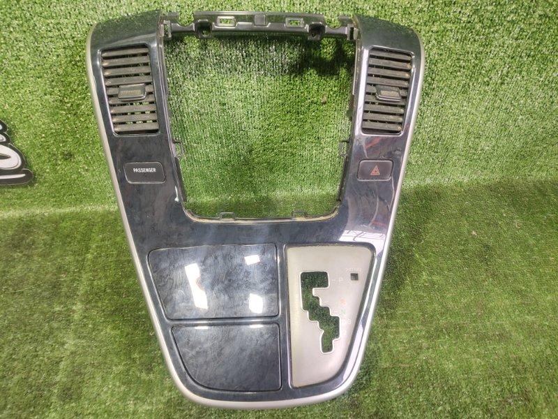 Консоль магнитофона Toyota Alphard MNH15 1MZFE 2002 (б/у)
