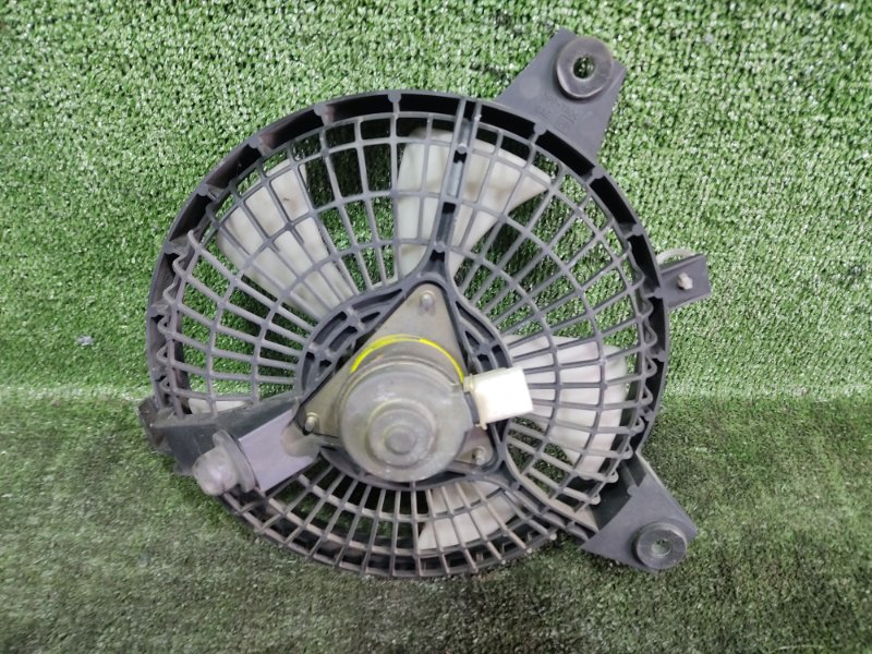 Вентилятор радиатора кондиционера Mazda Bongo Friendee SGLR WLT 1996 (б/у)