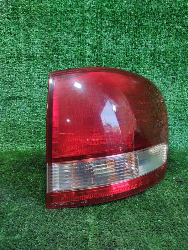 Стоп-сигнал Toyota Ipsum ACM26 2AZFE 2002 задний правый (б/у)