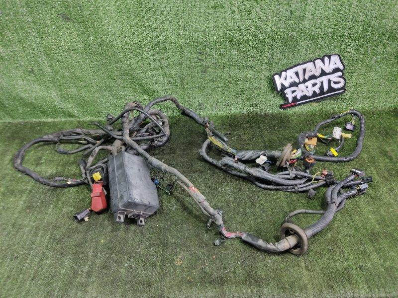 Проводка под капотом Mitsubishi Pajero V25W 6G74 1998 (б/у)