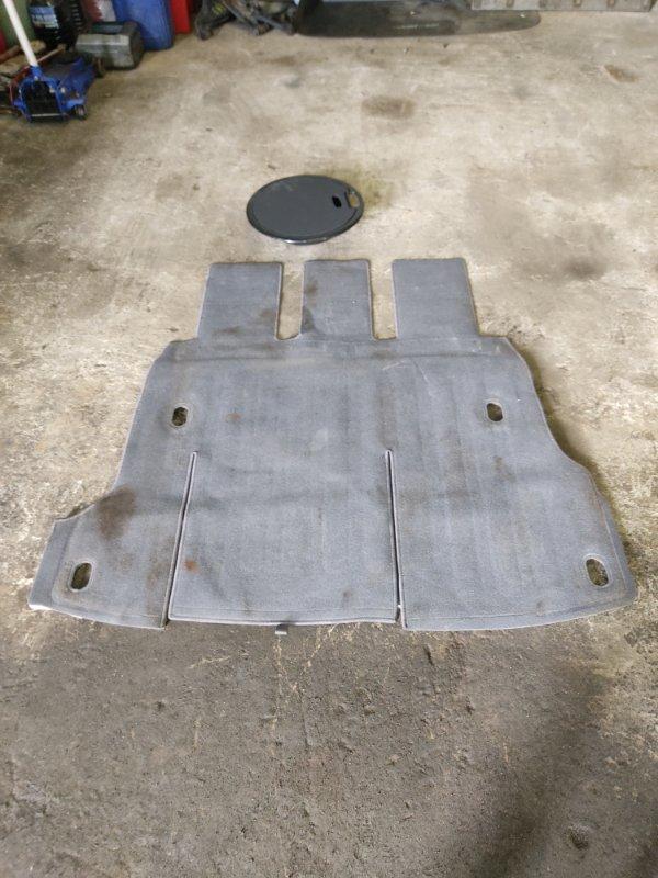 Коврик багажника Nissan R'nessa PNN30 KA24DE 1997 задний (б/у)