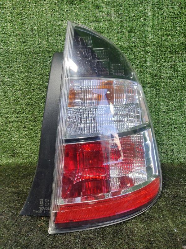 Стоп-сигнал Toyota Prius NHW20 1NZFXE 2004 задний правый (б/у)