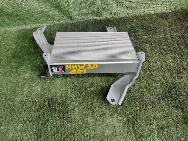 Усилитель звука Toyota Prius NHW20 1NZFXE 2004 (б/у)