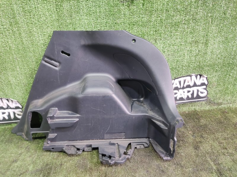 Обшивка багажника Toyota Vitz NSP135 1NRFE 2012 задняя правая (б/у)
