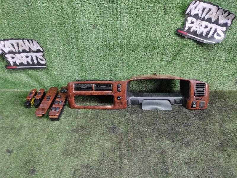 Консоль магнитофона Mitsubishi Challenger K99W 6G74 1998 (б/у)