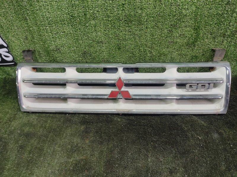Решетка радиатора Mitsubishi Pajero V45W 6G74 1997 (б/у)