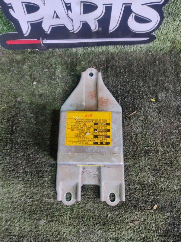 Блок управления airbag Toyota Hiace KZH106W 1KZTE 1997 (б/у)