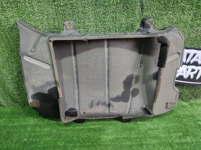 Защита радиатора Toyota Hiace KZH106W 1KZTE 1997 (б/у)