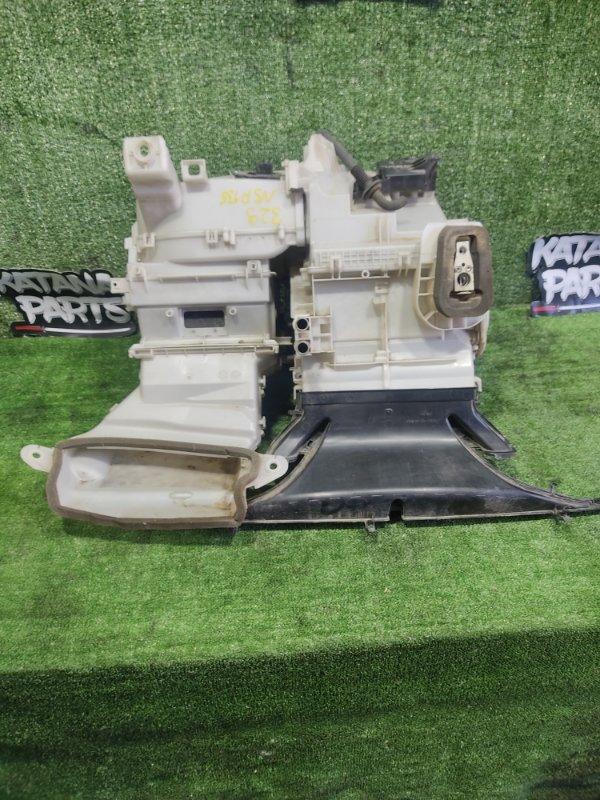 Корпус печки Toyota Vitz NSP135 1NRFE 2011 передний (б/у)