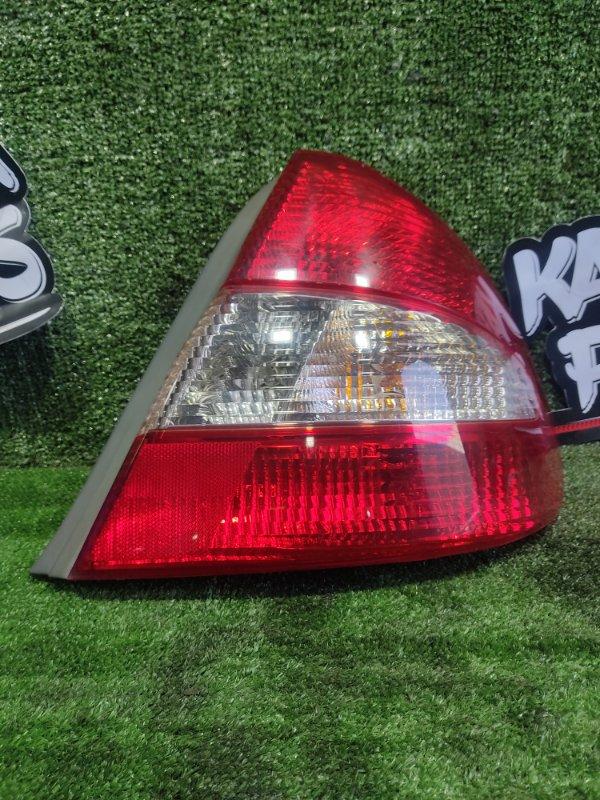 Стоп-сигнал Toyota Prius NHW11 1NZFXE 2000 задний правый (б/у)