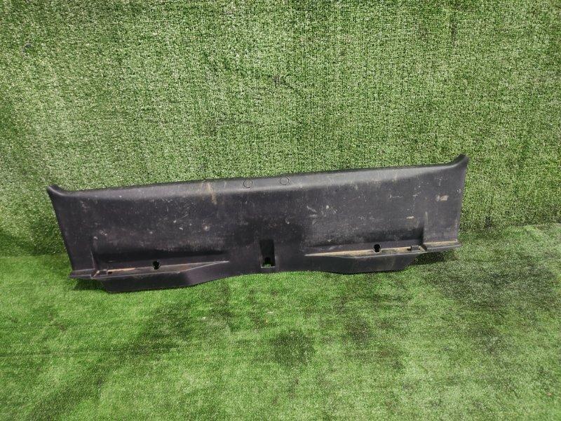 Накладка замка багажника Mitsubishi Galant Fortis CY4A 4B11 2008 (б/у)