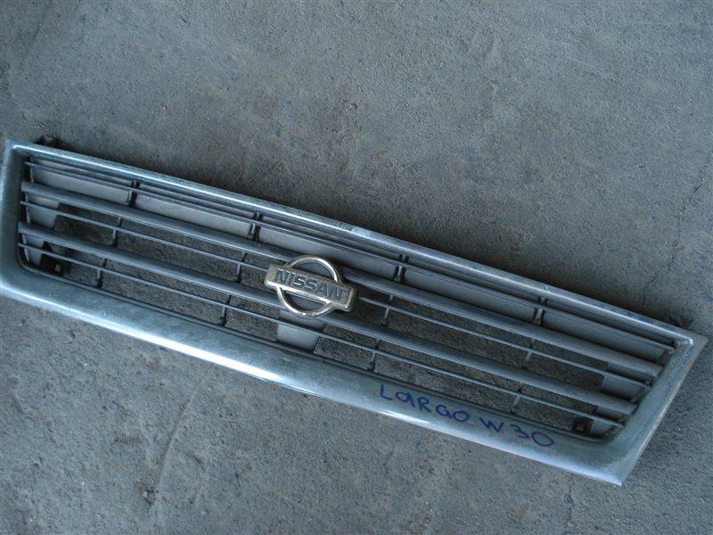 Решетка радиатора Nissan Largo W30