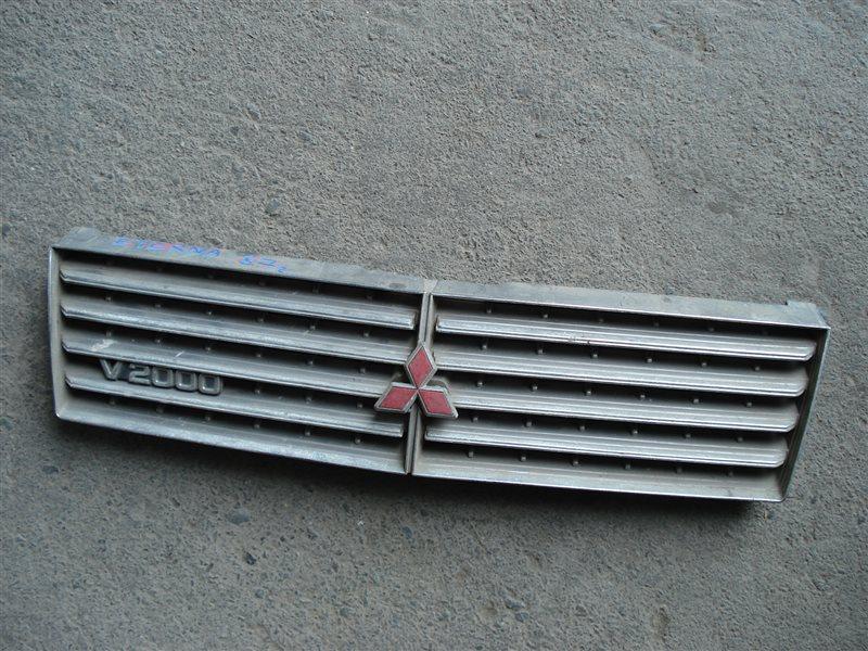Решетка радиатора Mitsubishi Eterna