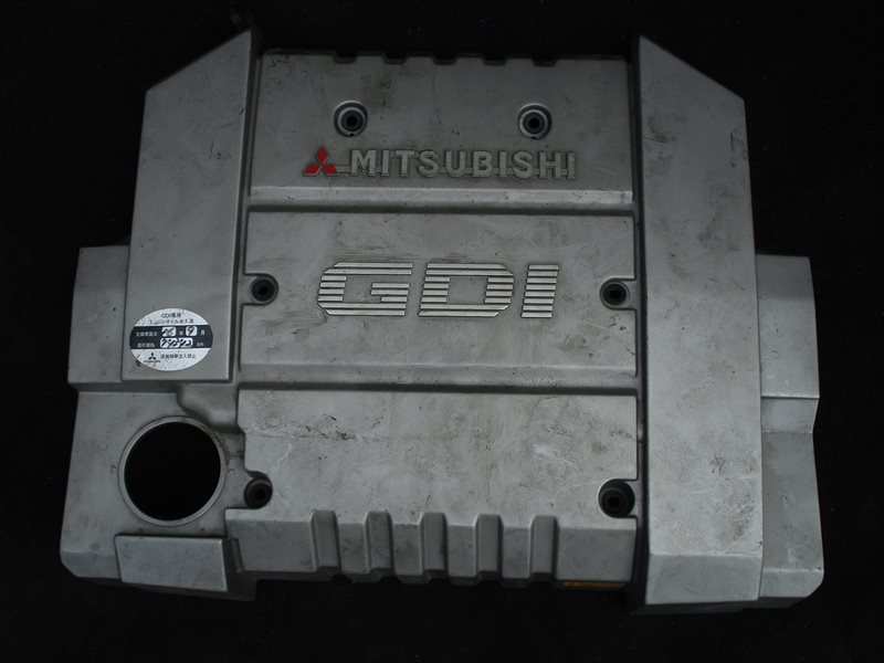 Крышка двигателя Mitsubishi