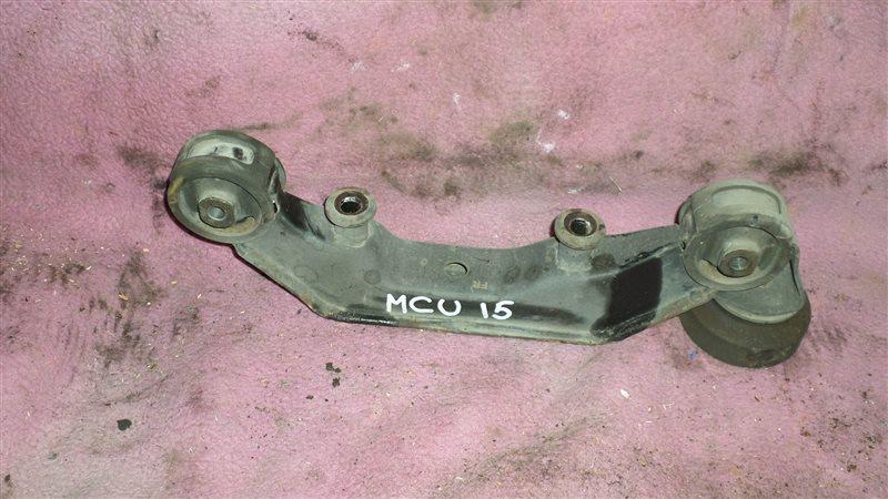 Крепление редуктора Toyota Harrier MCU15 1MZ-FE