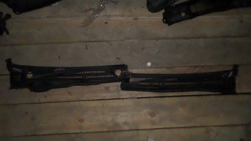 Решетка под дворники Suzuki Escudo TD54W J20A