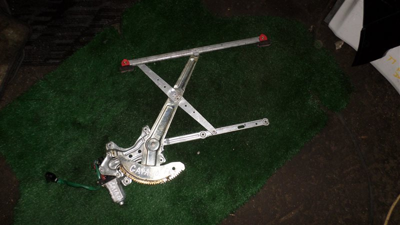 Стеклоподъемный механизм Toyota Gaia SXM10 3S-FE передний правый