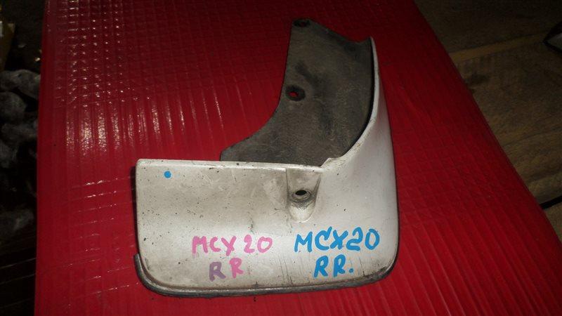 Брызговик Toyota Pronard MCX20 задний правый
