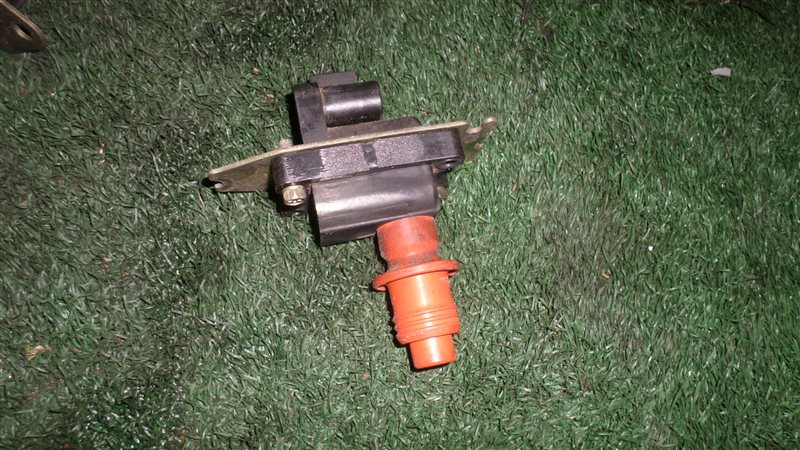 Катушка зажигания Nissan Gloria PY32 VG30DT