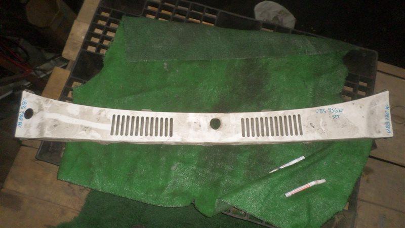 Решетка под дворники Isuzu Bighorn UBS73GW 4JX1