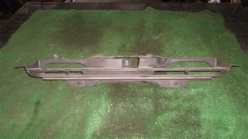 Решетка радиатора Honda Hrv GH2 D16A