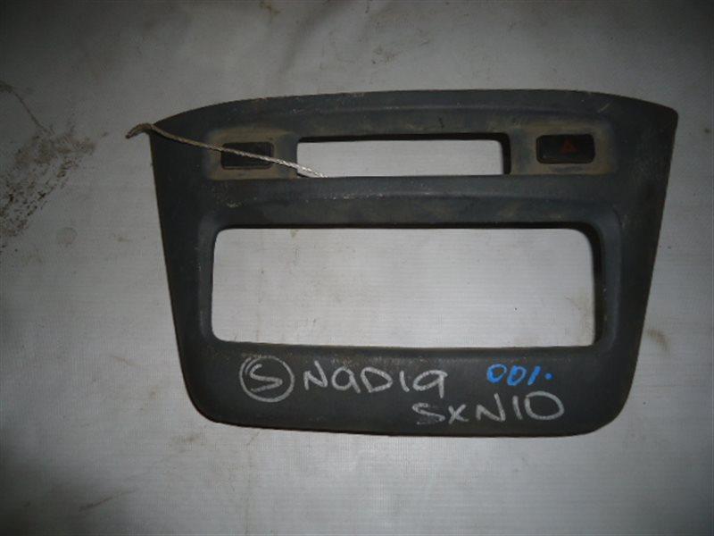 Консоль магнитофона Toyota Nadia SXN10 3S-FSE