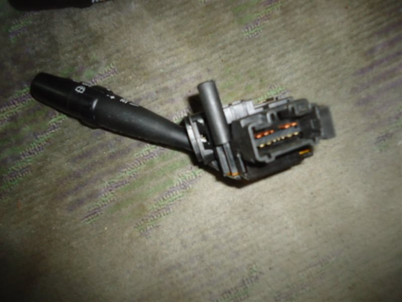 Переключатель поворотов Toyota Ipsum ACM21W левый