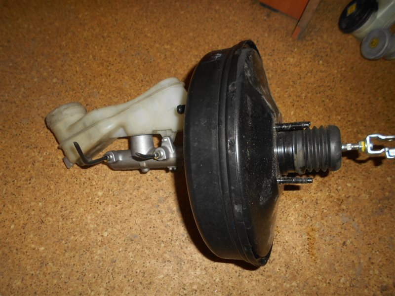 Главный тормозной цилиндр Honda Stream RN6 R18A
