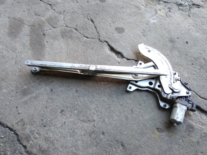 Стеклоподъемный механизм Suzuki Sx4 YB11S M15A передний левый