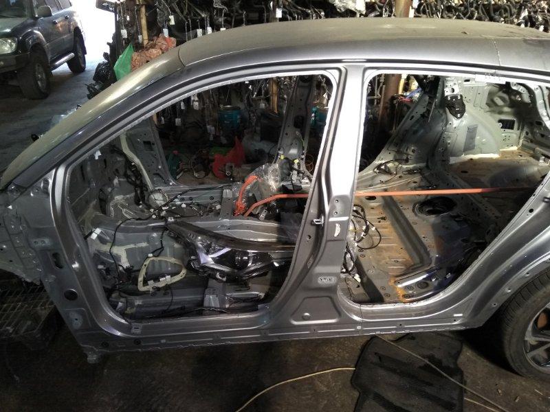 Половина кузова Toyota C-Hr ZYX10 2ZR-FXE 2017 левая