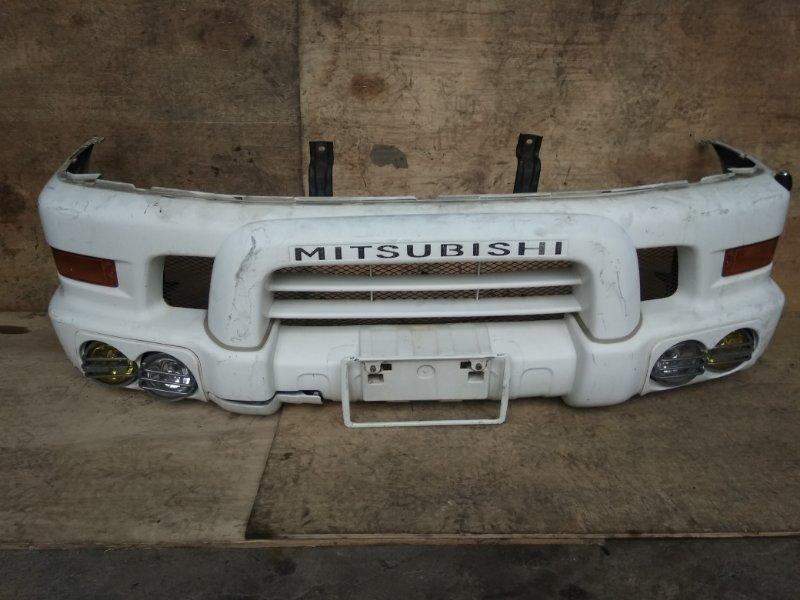 Бампер Mitsubishi Delica PD6W 6G72 передний