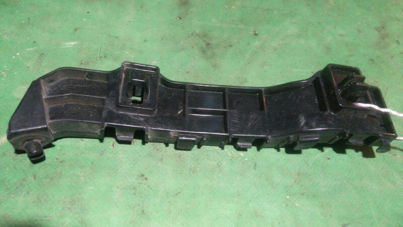 Крепление бампера Honda Zest JE1 P07A 2012 переднее правое