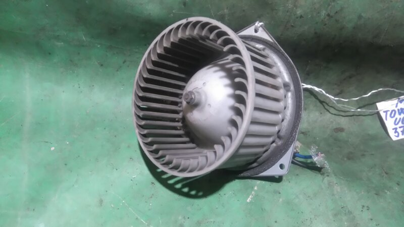 Мотор печки Mitsubishi Town Box U63W 4A30