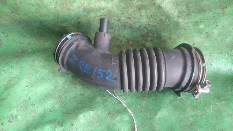 Патрубок воздушн.фильтра Toyota Auris ZZE152 2ZR-FE