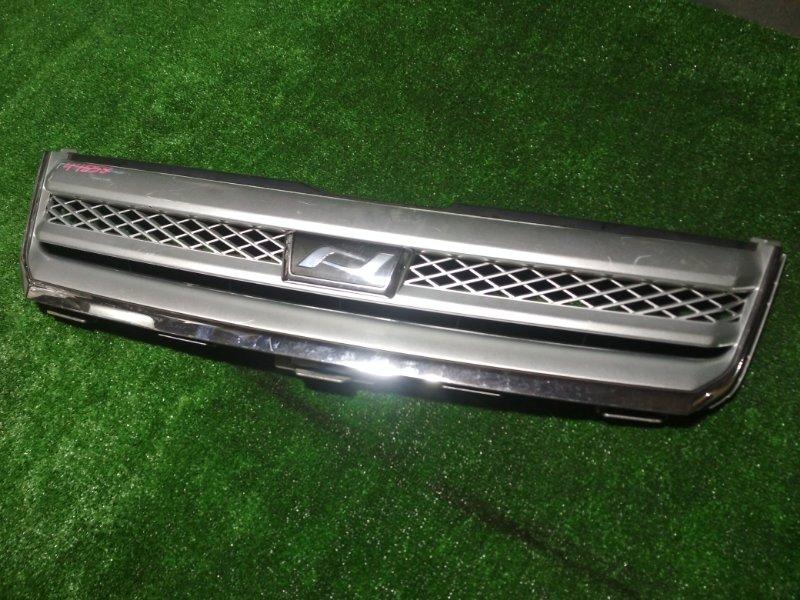 Решетка радиатора Toyota Noah AZR60 1AZ-FSE 2006