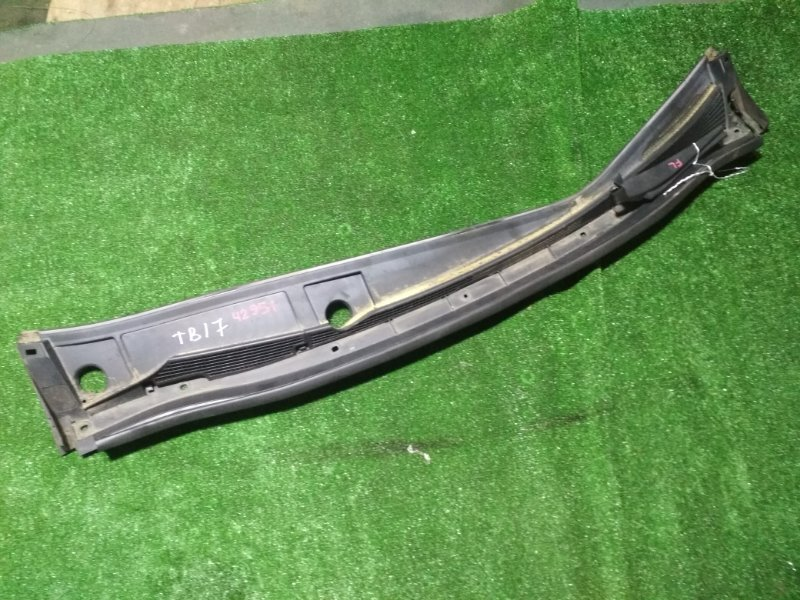 Решетка под дворники Nissan Bluebird Sylphy TB17 MRA8DE 2014