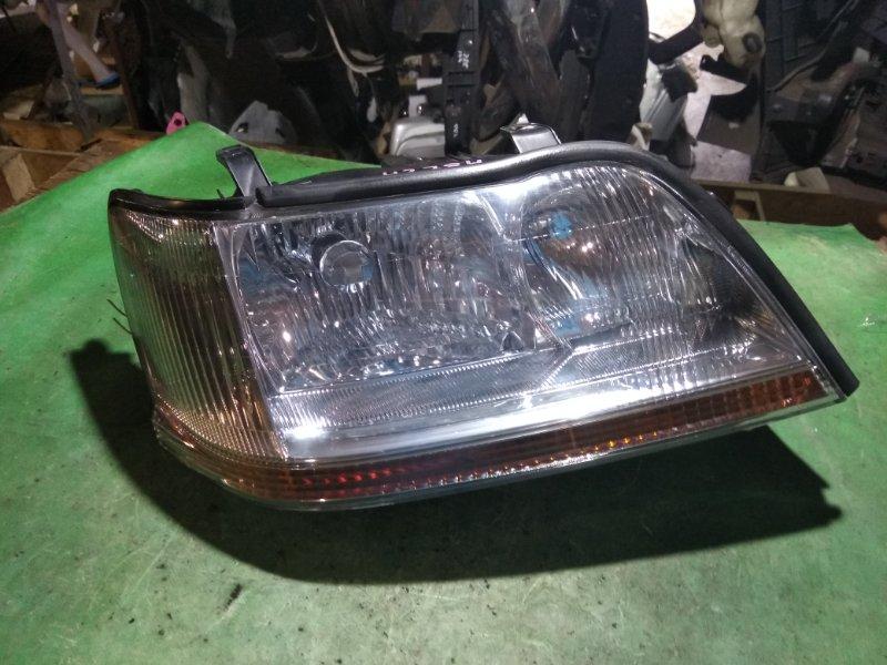 Фара Toyota Crown Majesta UZS171 1UZ-FE передняя правая