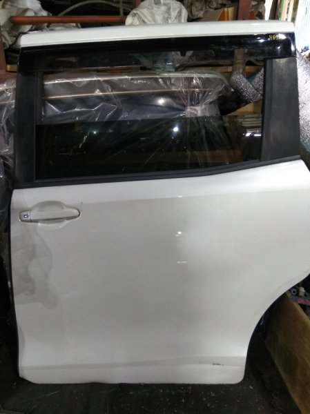 Дверь Toyota Voxy ZRR80 3ZR-FAE задняя левая