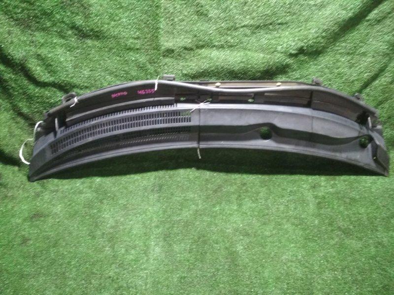 Решетка под дворники Toyota Ist NCP110