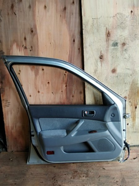 Дверь Toyota Camry SV40 4S-FE передняя левая
