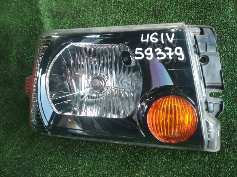 Фара Mitsubishi Minicab U61V 3G83 передняя правая