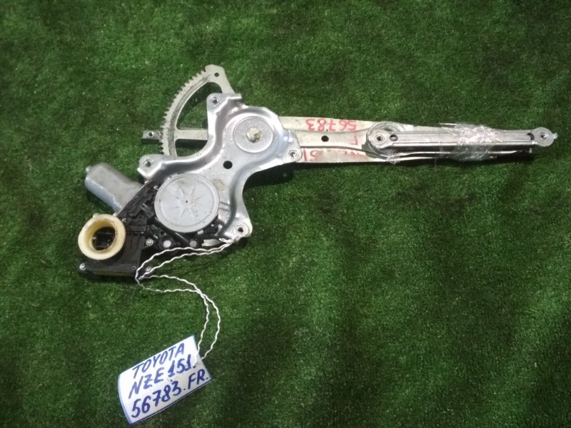 Стеклоподъемный механизм Toyota Auris NZE151 1NZ-FE 2011 передний правый
